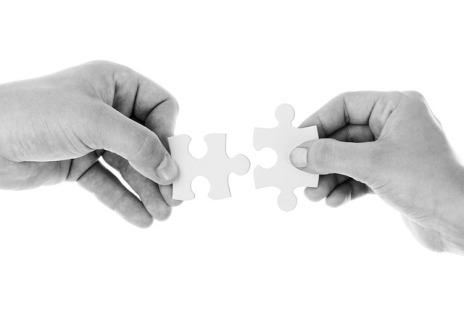 Eigentlich sollte die geteilte Schwangerschaftsvorsorge wie Puzzleteile in einander greifen - tut sie aber oftmals nicht! by Pixabay